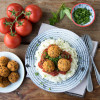 Linsenbällchen mit Tomatensauce