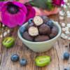 Selbstgemachte Protein Schokobons zuckerfrei