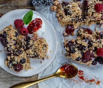 Crumble Cake mit Beeren - ohne Mixer, 1 Schüssel
