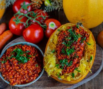 Spaghetti Kürbis mit Linsen Bolognese gesund & vegan