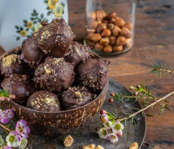 Ferrero Rocher Kugeln selber machen - gesund & vegan