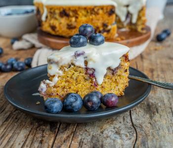 Polenta-Kuchen mit Heidelbeeren vegan & unglaublich lecker