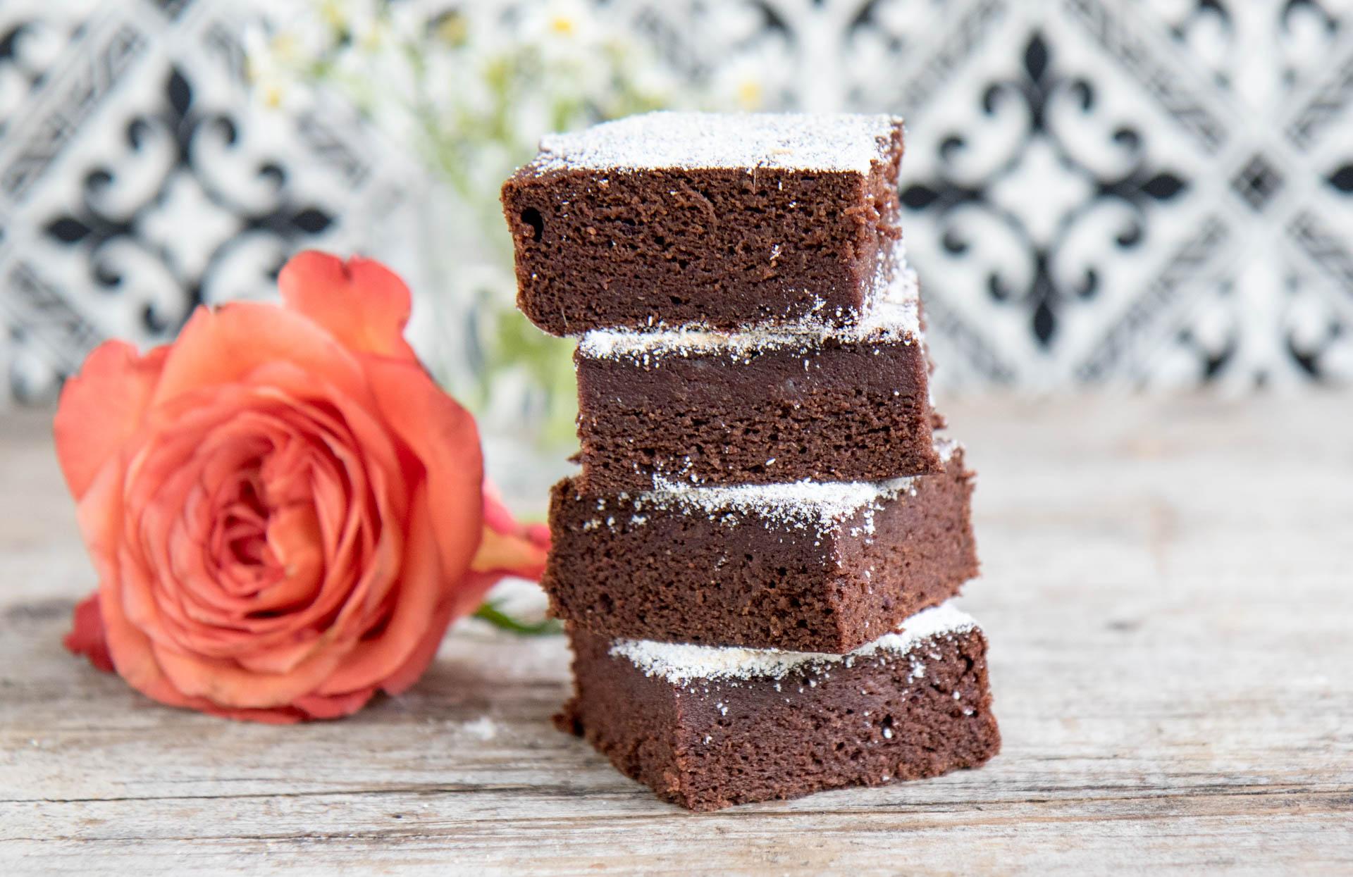 Gesunde Brownies mit Datteln vegan Mrs Flury