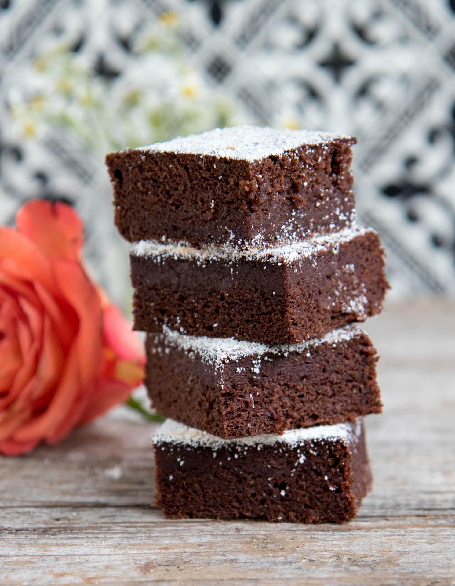 Gesunde Brownies vegan mit Datteln Mrs Flury