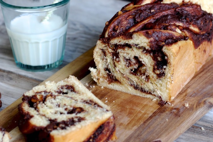 Chocolate Babka | Hefezopf mit Schokoladenfüllung