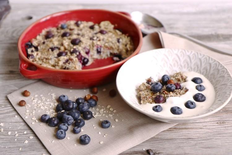 Baked Oatmeal | Gebackenes Müesli mit Heidelbeeren