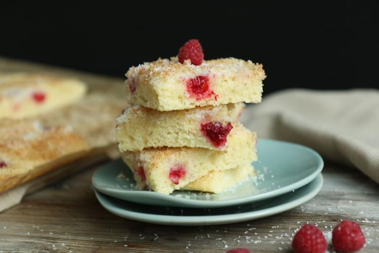 Himbeer-Kokos Buttermilch-Kuchen | Tassenkuchen