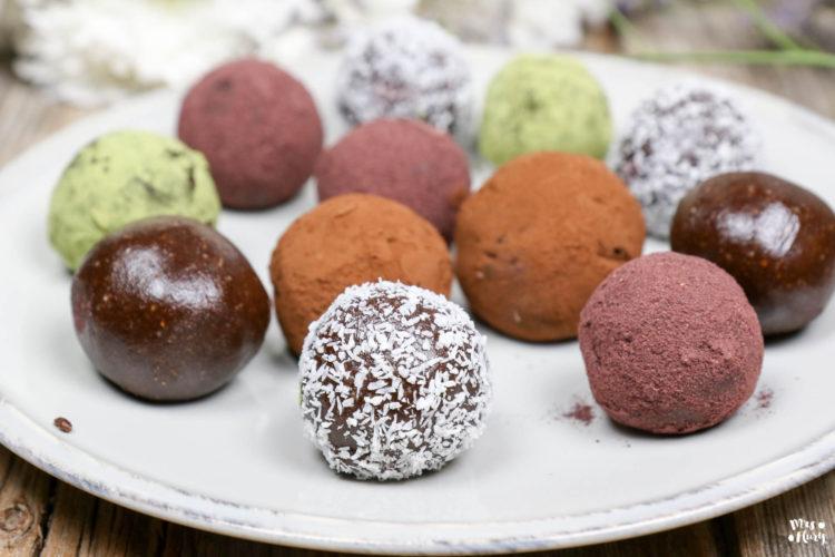 Kakao Mandel Energie-Kugeln | Bliss Balls