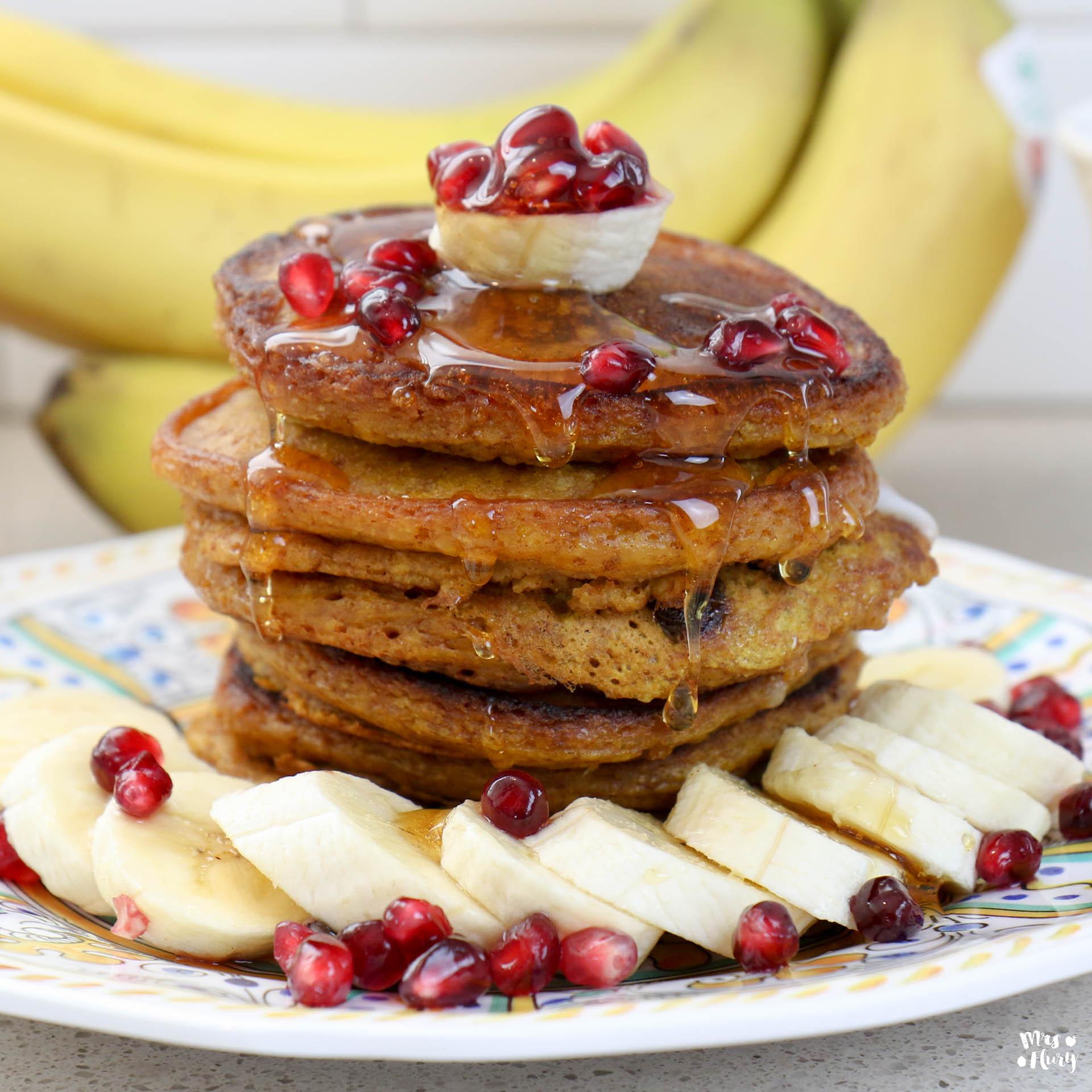 gesunde pancakes mit k rbis gesundes fr hst ck mrs flury gesund essen leben. Black Bedroom Furniture Sets. Home Design Ideas