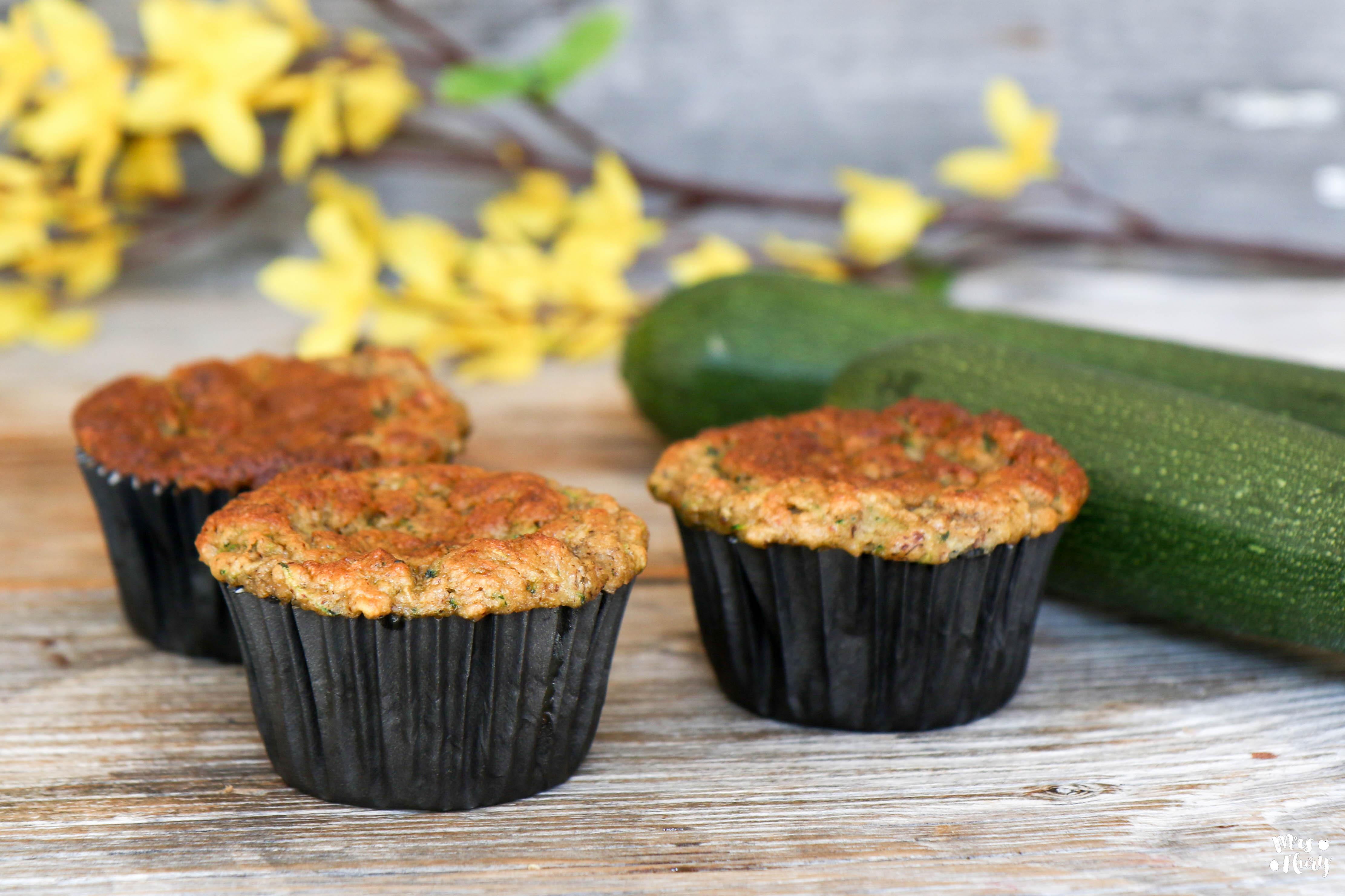 zucchini bananen muffins mrs flury gesund essen leben. Black Bedroom Furniture Sets. Home Design Ideas