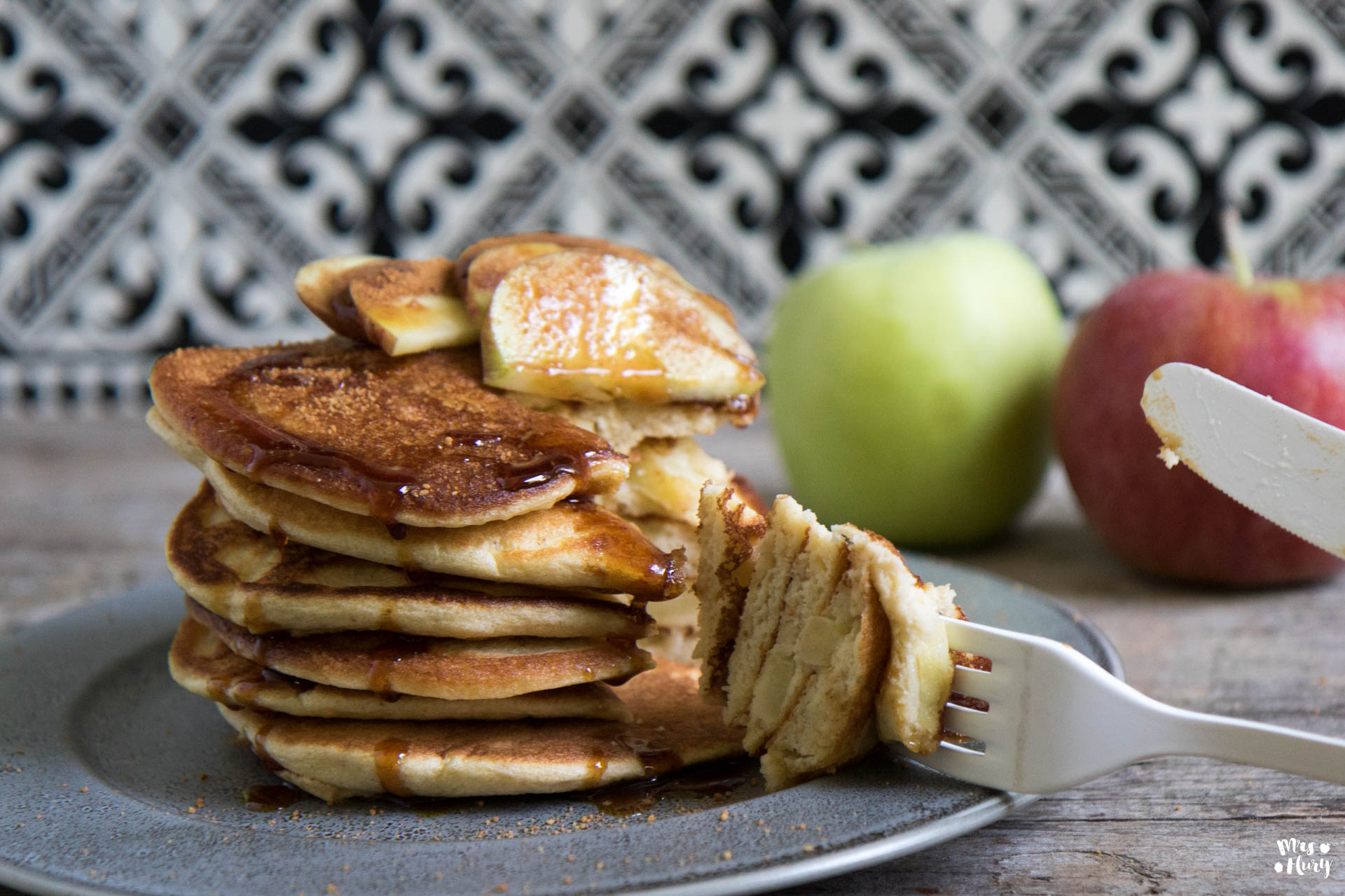 Apfel Pfannkuchen wie von Oma - super lecker und einfach - Mrs Flury Rezept