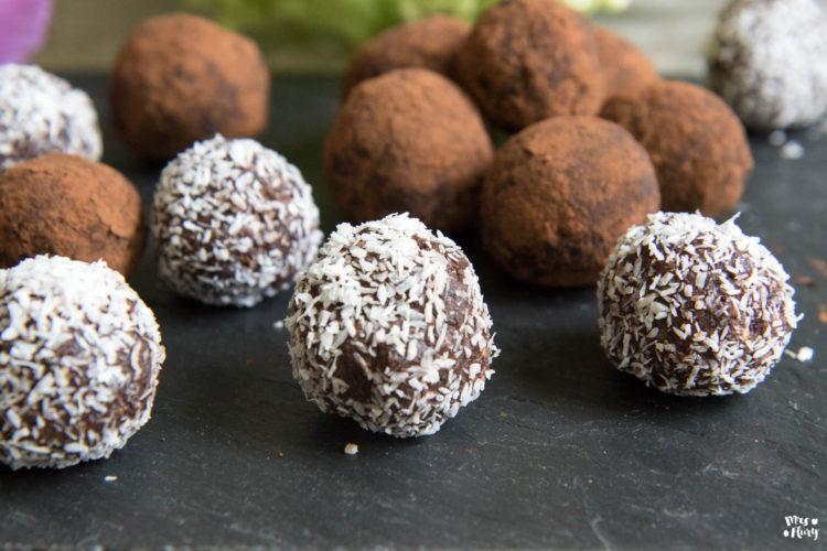 Brownie Bliss Balls vegan I günstig ohne Datteln