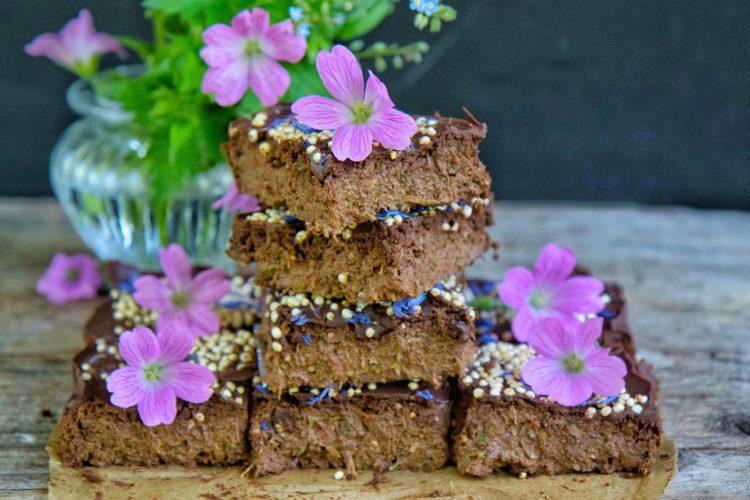 Gesunde Zucchini Schoko Brownies ohne Zucker, ohne Mehl, vegan
