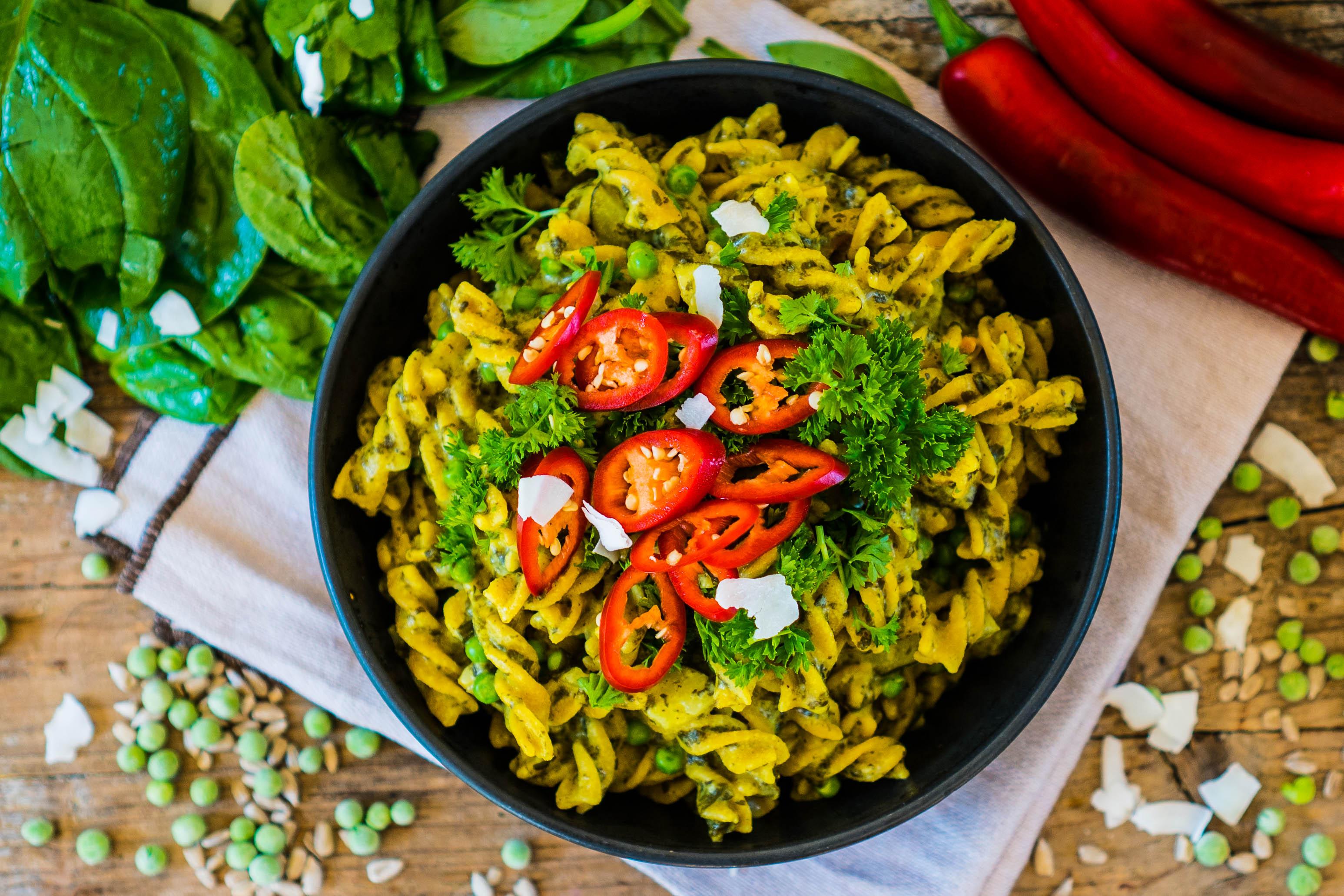vegane one pot pasta mit spinat und kokosmilch mrs flury gesund essen leben. Black Bedroom Furniture Sets. Home Design Ideas