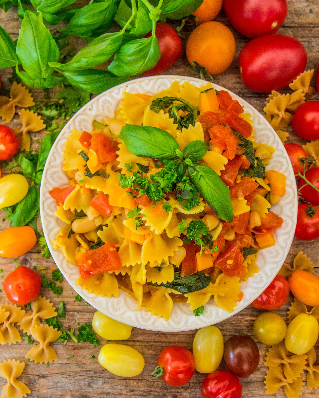 Vegane One-Pot Pasta mit Gemüse