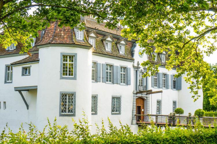 Romatisches Dinner im Schloss Bottmingen