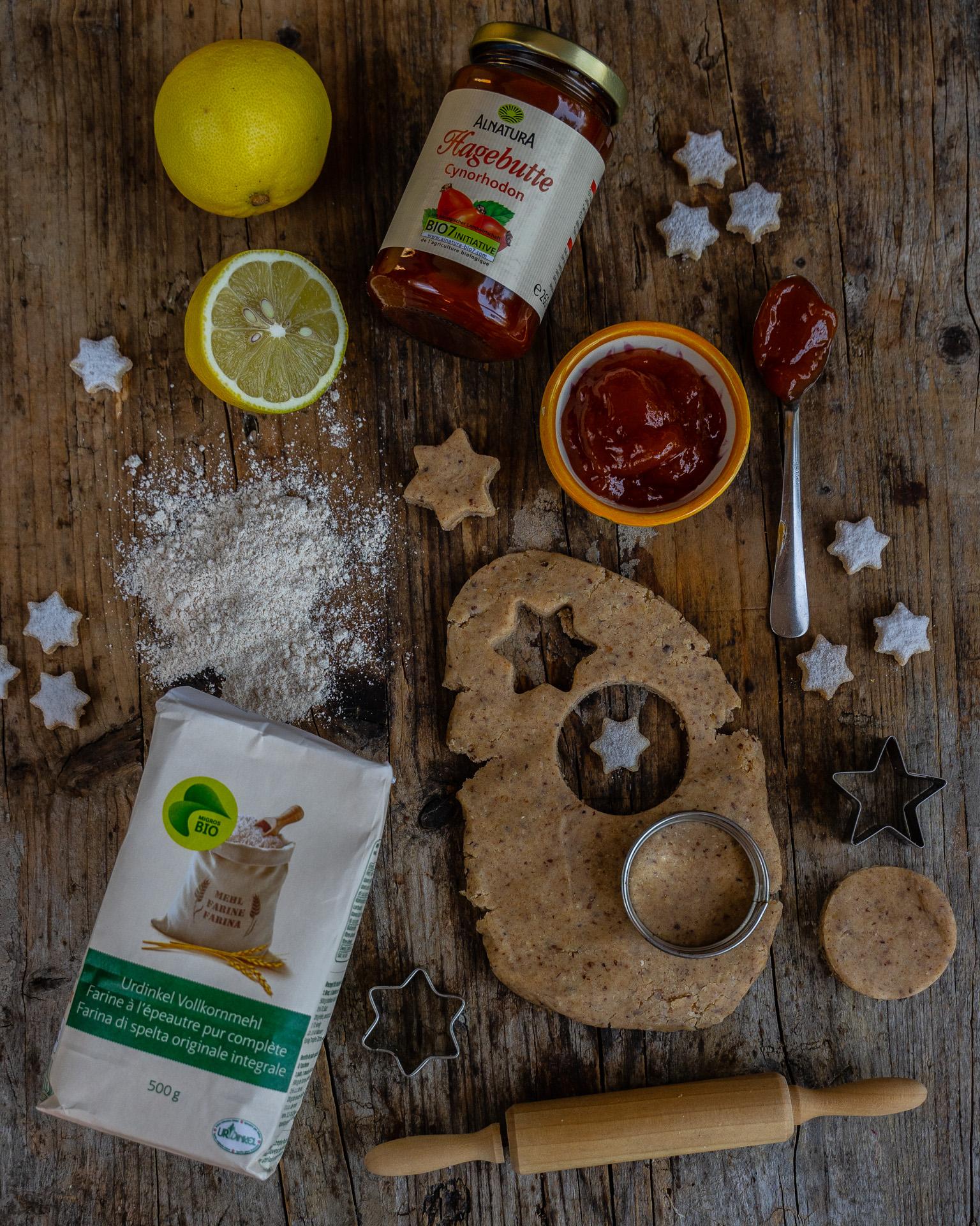 Gesunde Spitzbuben Rezept vegan und zuckerfrei Mrs Flury