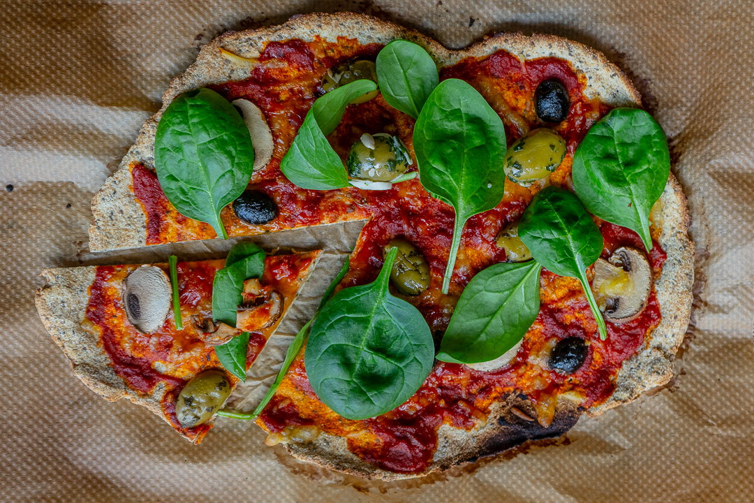 Low Carb Leinsamen Pizza wie Lizza vegan Mrs Flury