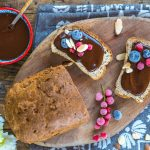 Keto Brot mit Haselnuss Schoko Aufstrich zuckerfrei / Low Carb Mandelbrot mit Nutella Mrs Flury