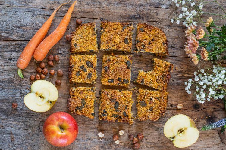 Beauty Schnitten – Gesunde Karotten Apfel Müesli Riegel