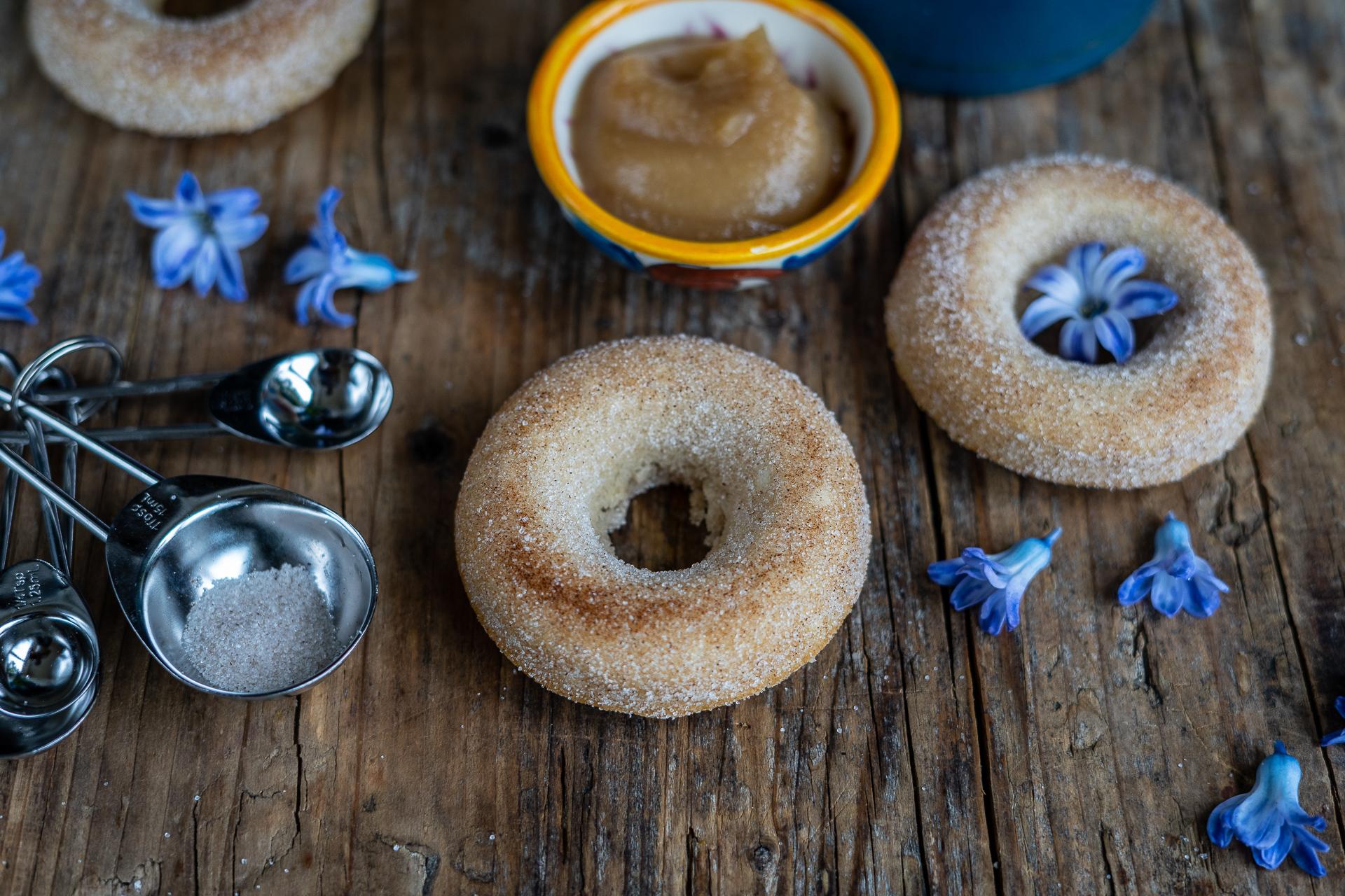 Donuts ohne frittieren, Gesunde Apfel Dinkel Donuts vegan - Ideal für Kinder Mrs Flury