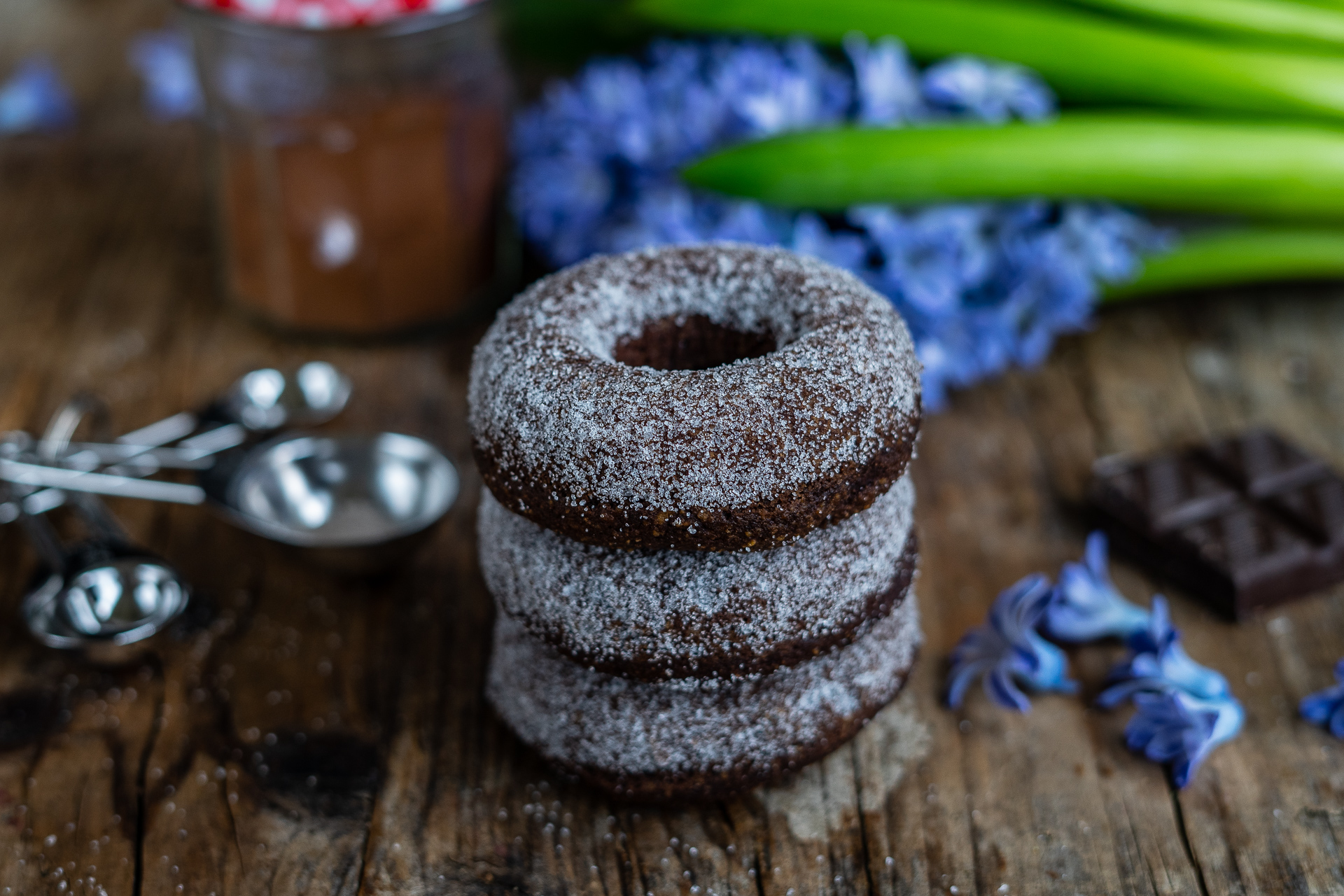 gesunde Donuts, getreidefrei, Schoko Paleo Donuts zuckerfrei low carb Rezept Mrs Flury