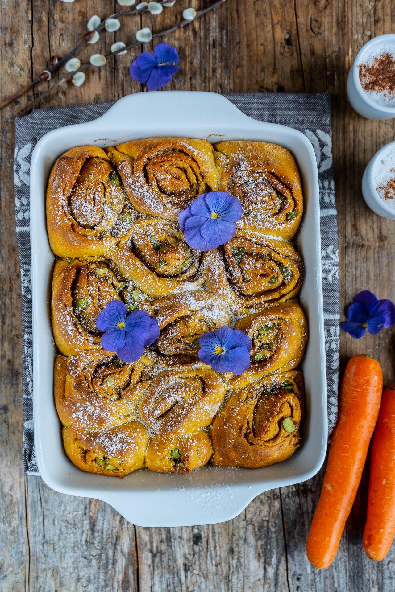 Karotten Zimtschnecken für Ostern vegan Mrs Flury