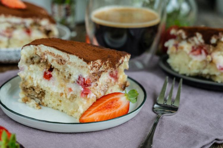 Veganes Tiramisu mit Erdbeeren