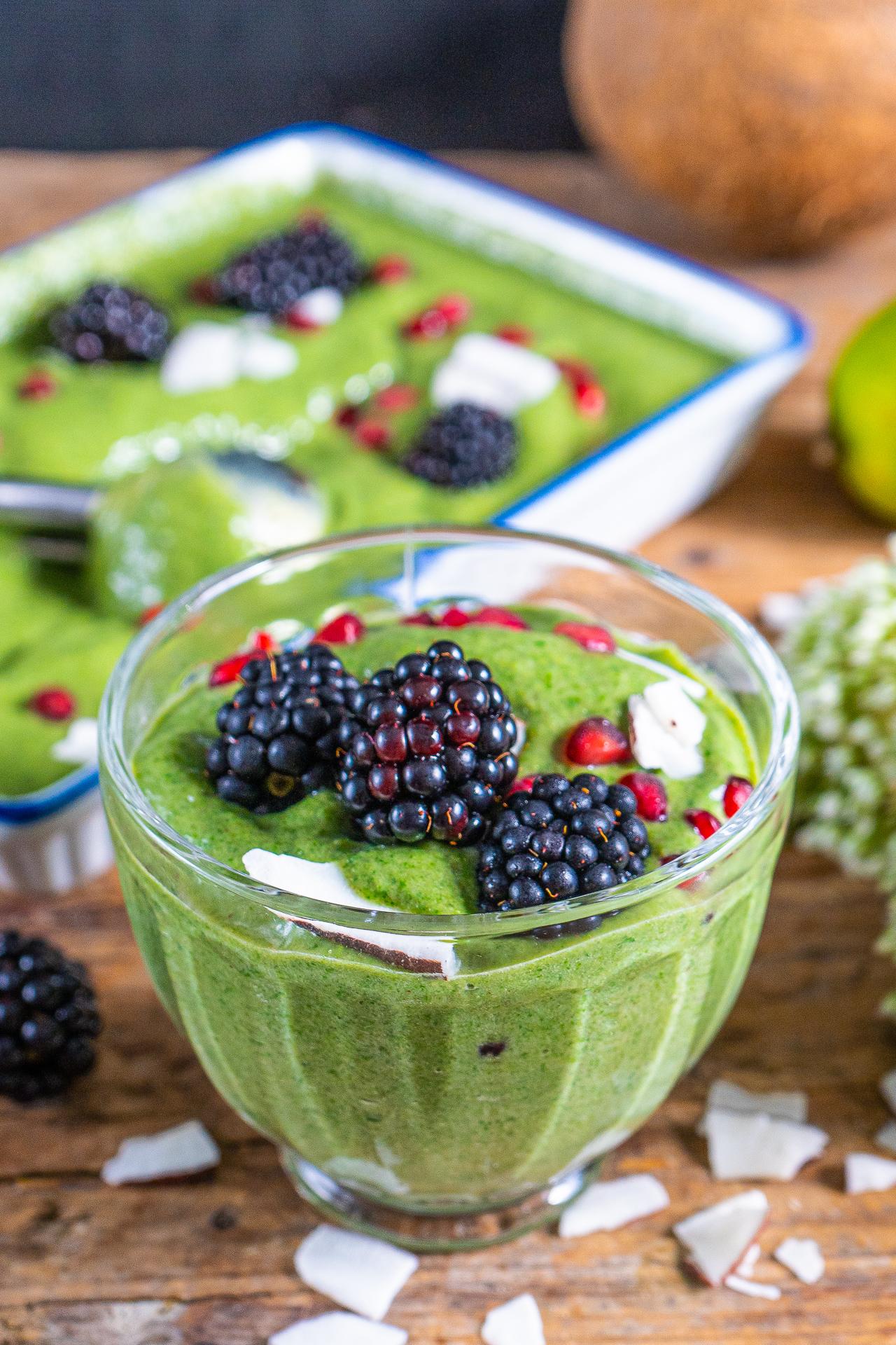 Protein Eiscreme 4 Zutaten Rezept vegan Mrs Flury