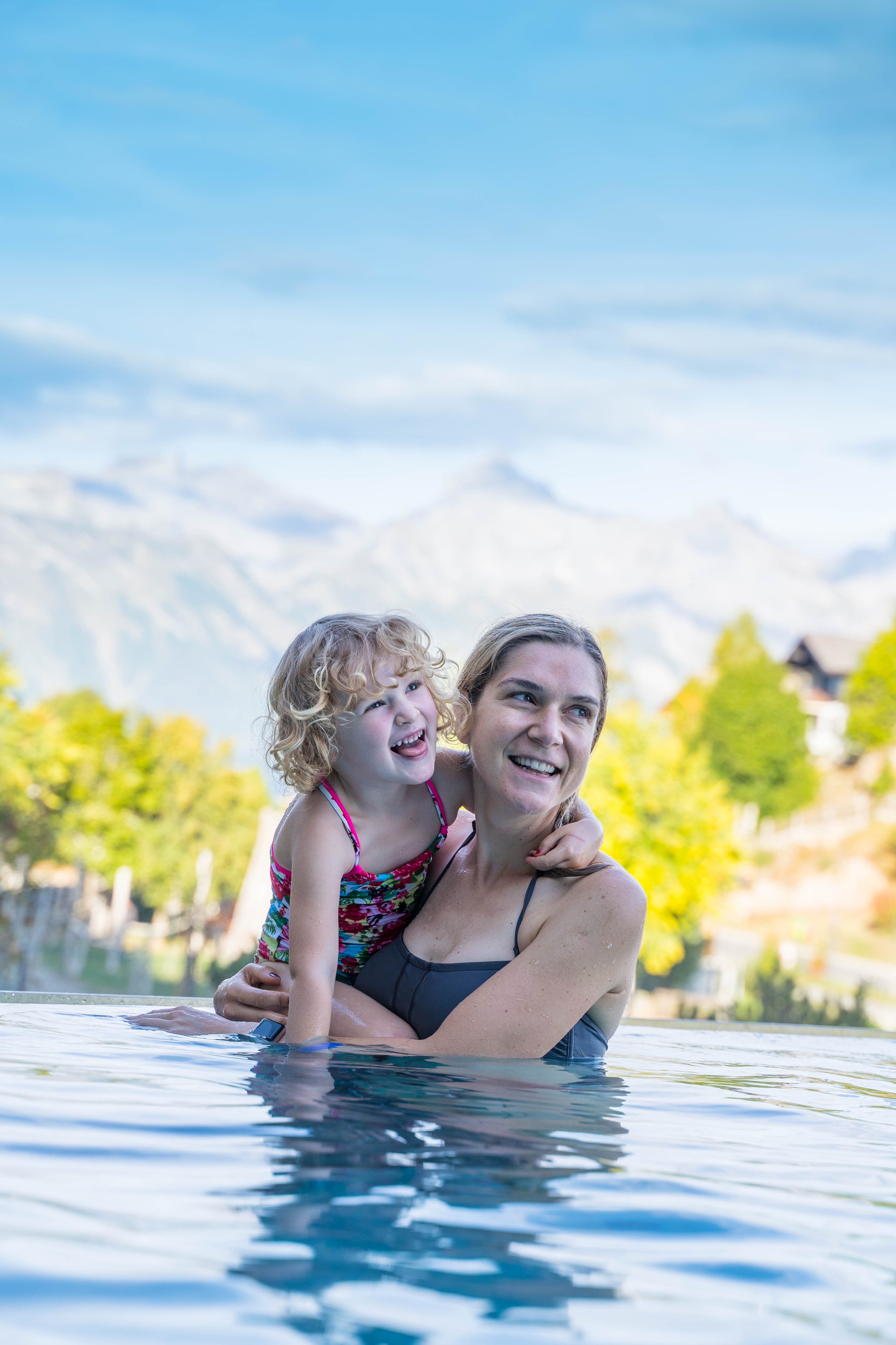 Wandern in Nenas mit Kindern / Herbst im Wallis