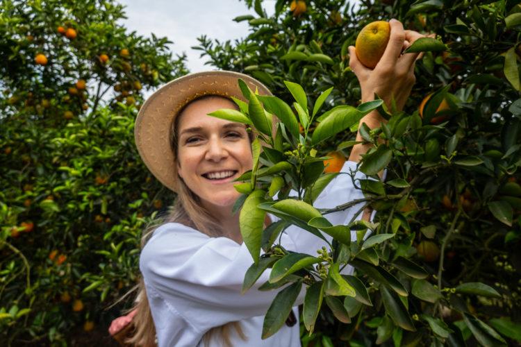 Fair Cake – Mrs Flury besucht die Orangen Kooperative in Brasilien