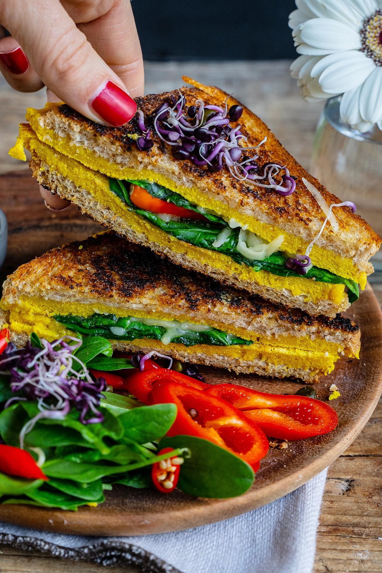 Rührei Sandwich vegan - gesundes Frühstück Mrs Flury