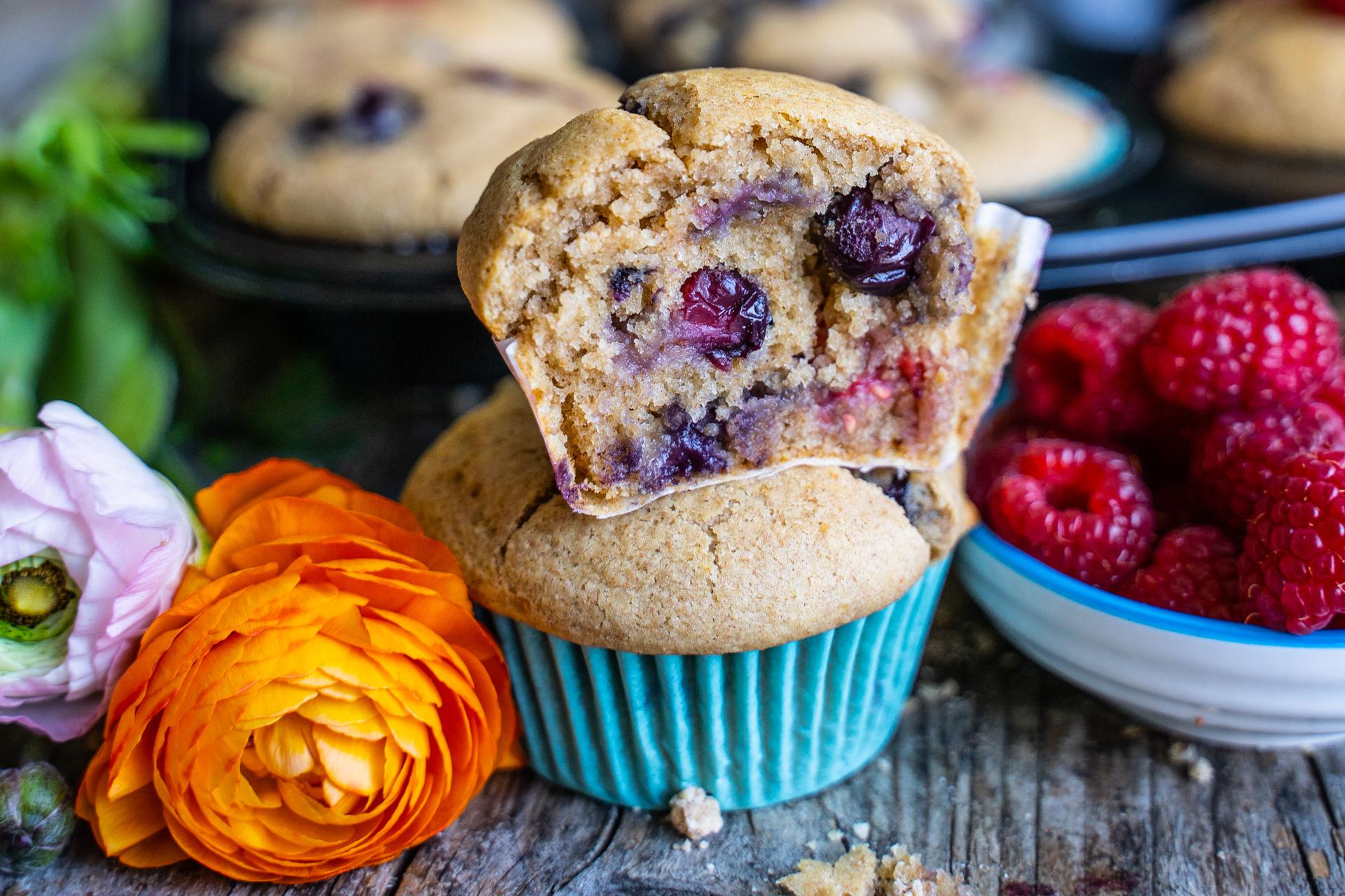 Gesunde Beeren Muffins vegan & ohne weissen Zucker Mrs Flury Rezept