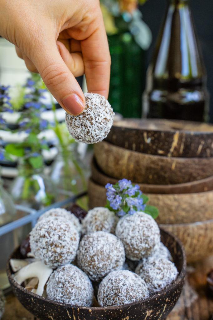 Raffaello Protein Balls vegan & glutenfrei Mrs Flury