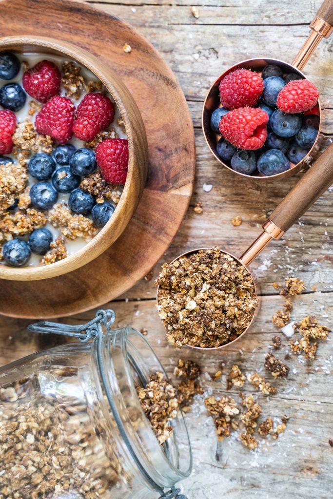 Schoko Erdnussbutter Granola - 5 Zutaten Rezept Mrs Flury