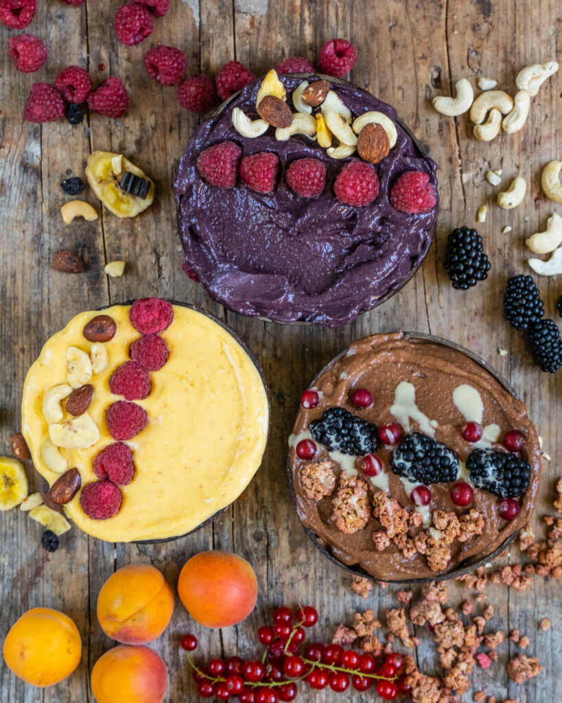 Gesunde Smoothie Bowls - 3 Rezepte ohne Banane Mrs Flury