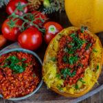 Gebackener Spaghetti-Kürbis mit Linsen Bolognese gesund & vegan Mrs Flury