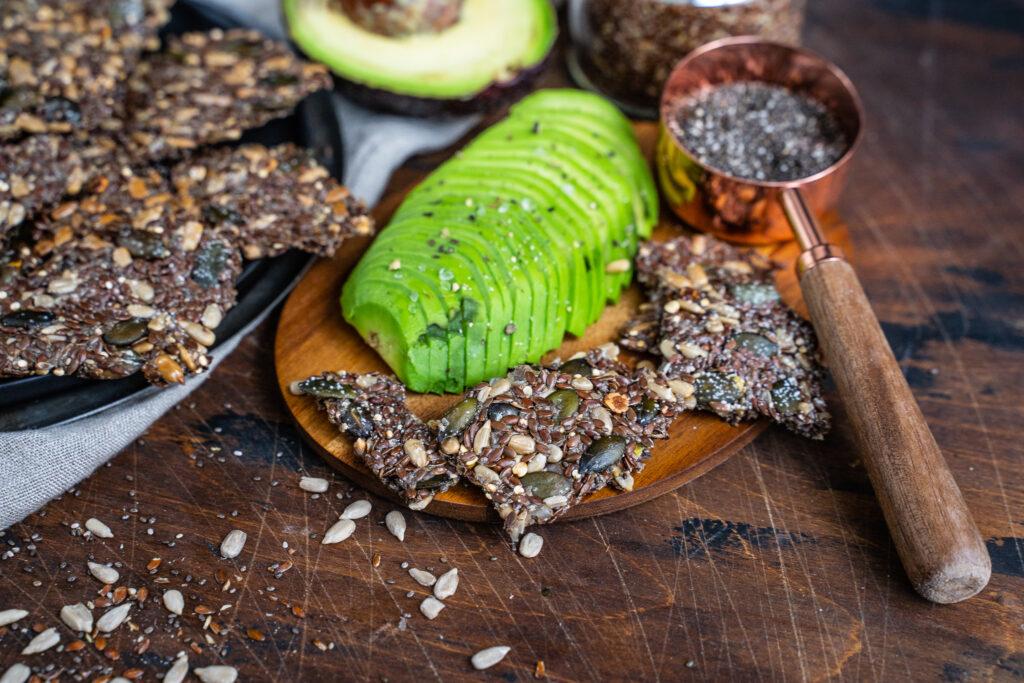 Low Carb Saaten Cracker Rezept vegan und glutenfrei Mrs Flury