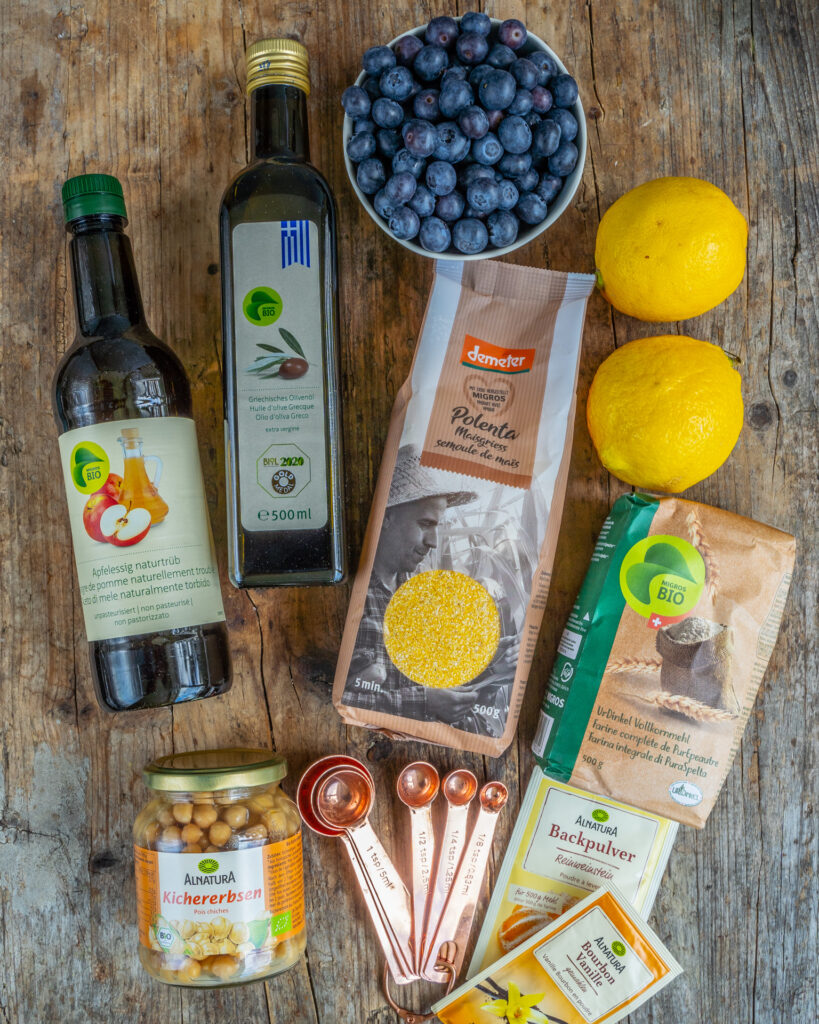 Veganer Polentakuchen mit Heidelbeeren Rezept Mrs Flury