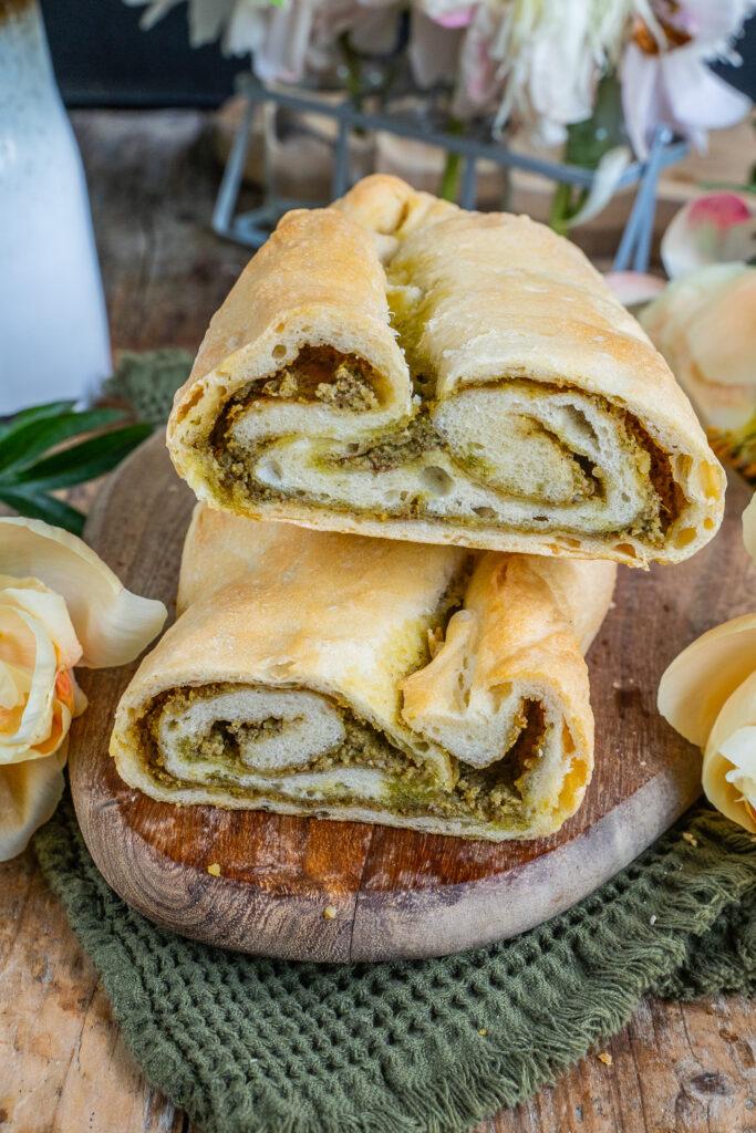 Pesto-Zopfbrot mit Basilikum - Veganes Pestobrot Rezept Mrs Flury