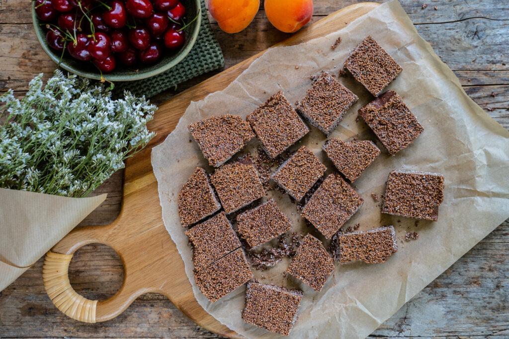Zuckerfreie Schoko Happen mit Quinoa gesund und vegan Mrs Flury