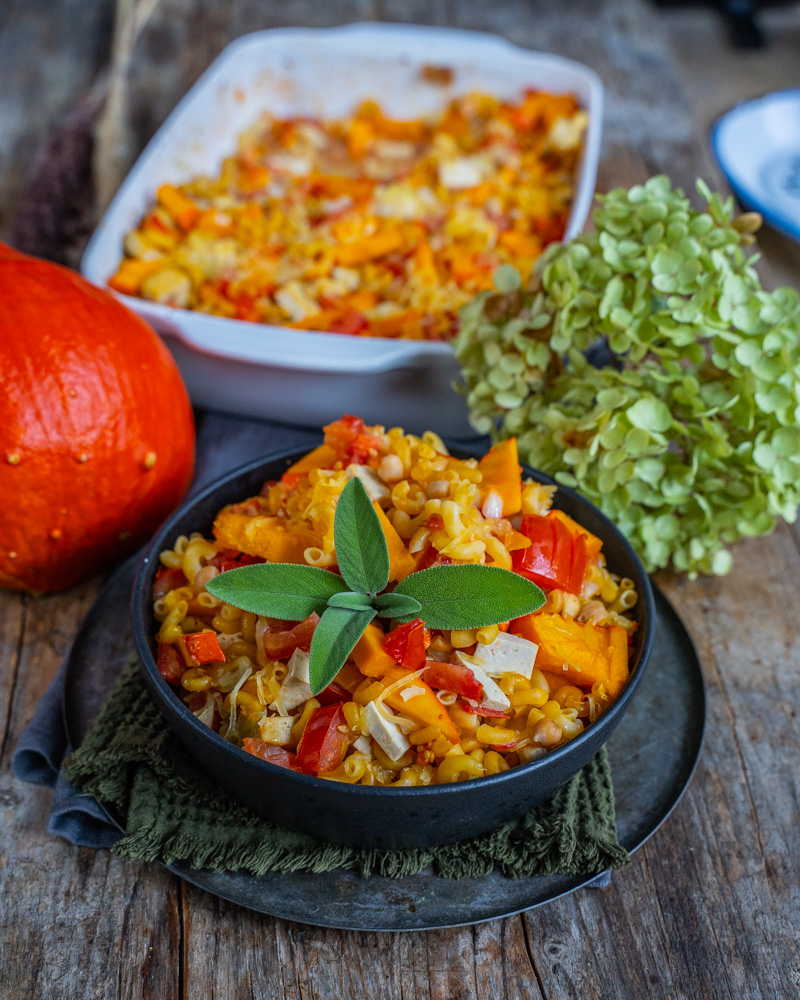 Kürbis-Pasta-Auflauf One Pot Pasta Rezept Mrs Flury vegan gesund
