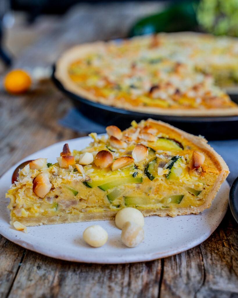 Vegane Gemüse Quiche mit Zucchini und Macadamia Vegan Mrs Flury Rezept